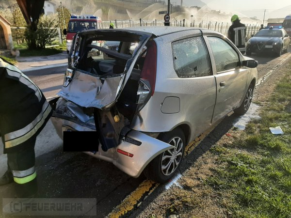 Verkehrsunfall vom 16.04.2021     (C) Feuerwehr Tschars (2021)