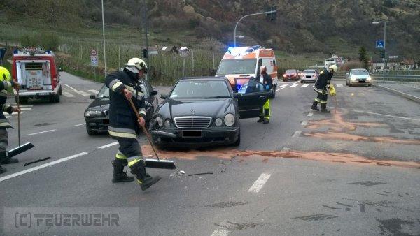 Verkehrsunfall vom 12.04.2018  |  (C) Feuerwehr Tschars (2018)